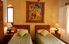 adjoining-bedroom
