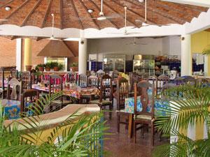 Instalaciones de villa corona del mar hotel en rincon de for Cafe jardin corona del mar